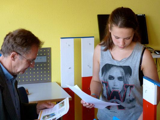 Anja erläutert uns sehr kompetent ihre Lernnachweise.