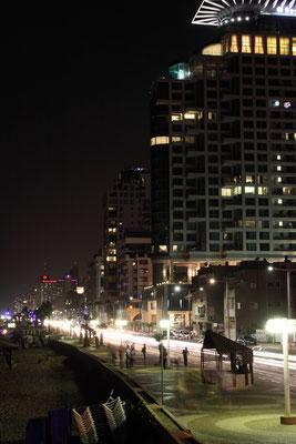 die Corniche am Abend