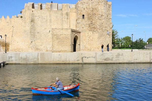 Die in byzantinischer Zeit erbaute und im 17. Jhdt. erweiterte Festung beherbergt das älteste Wohnviertel der Stadt.