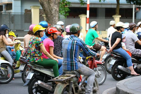 80 Mio. Einwohner und 40 Mio. zugelassene Mopeds