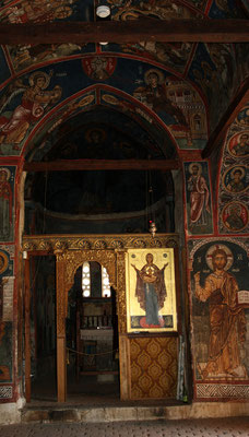 Durch die Dachkonstruktion sind auch die ältesten Wandmalereien aus dem Jahr 1105 noch im Original erhalten geblieben.