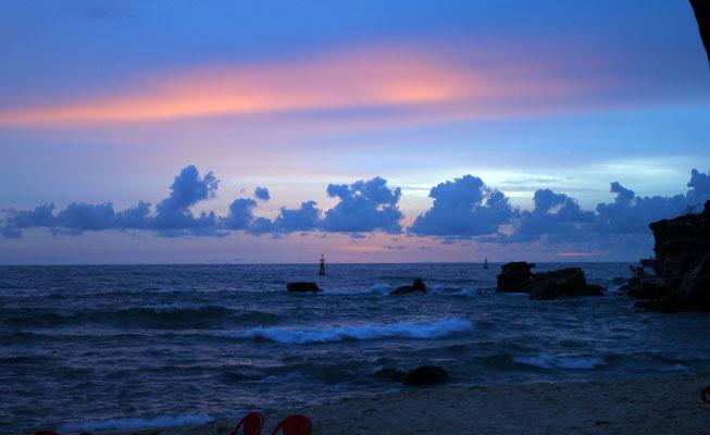 Sonnenuntergang auf Phu Quoc - der größten Insel Vietnams, noch recht ursprünglich wird sie aber nach den Plänen bald so dastehen wie Na Trang, das Ibiza des Chinesischen Meeres.