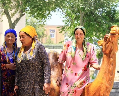 Und auch bei den Frauen gibt es Spaß am Labi Chaus, dem Herzen der Altstadt.