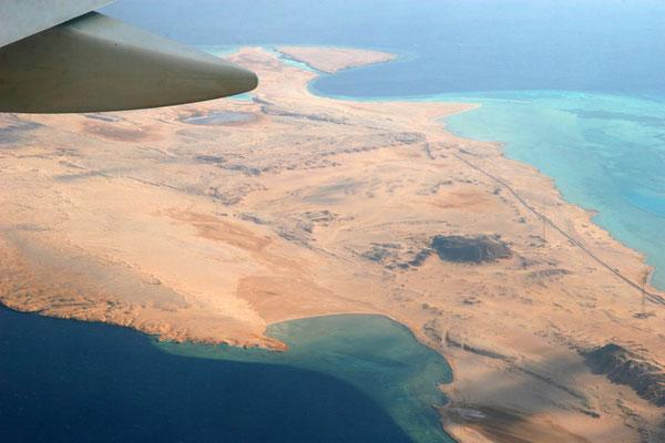Blick auf das Rote Meer und den Sinai