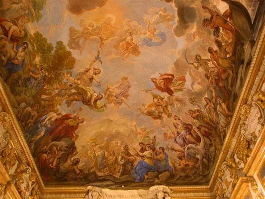 Deckenfresco im Palast