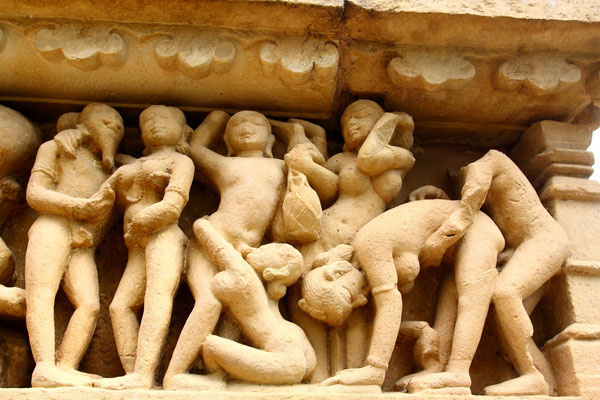 Mithunas-die weltberühmten erotischen Darstellungen, liebevoll in Stein gehauen