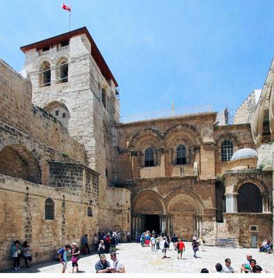Die Via Dolorosa führt am Ende zur Grabeskirche - sie erhebt sich über den Orten der Kreuzigung und Grablegung und ist wohl der bedeutenste Ort der Christenheit.