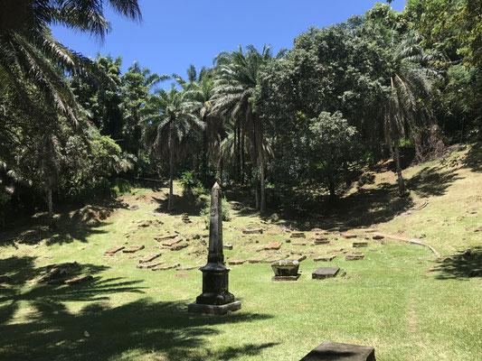 Der historische Friedhof von Bel Air von 1780 beherbergt die Gräber sowohl der ersten französischen Siedler, als auch die Gräber früherer Piraten.
