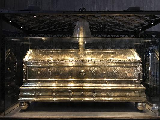 Die Schatzkammer der Domkirche beherbergt eine bedeutende Sammlung von Gegenständen aus den Wasa-Gräbern.