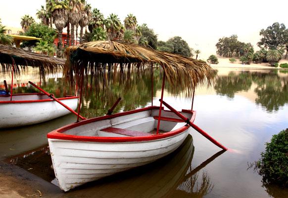 Die Lagune wird von einem unterirdischen Fluss gespeist, der nebenbei sehr mineralhaltiges Wasser führt, daher kamen früher vermehrt Besucher mit rheumatischen Erkrankungen. Heute hat das Wasser nicht mehr die Qualität.