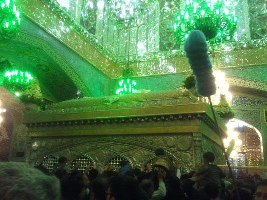 Das Grab des Imam Reza, der im Jahr 818 von Kalif Ma´mun vergiftet wurde