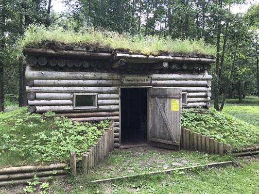 """In der Nähe des Hauses """"Mangaļi"""" verlief im Ersten Weltkrieg die Frontlinie und fanden die legendären Weihnachtskämpfe statt."""
