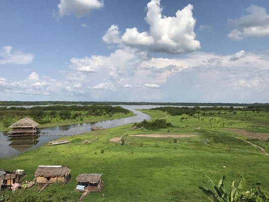 Sie ist mit 500.000 Einwohnern Provinzhauptstadt und gleichzeitig die größte Stadt der Welt, die nicht über den Landweg erreichbar ist.
