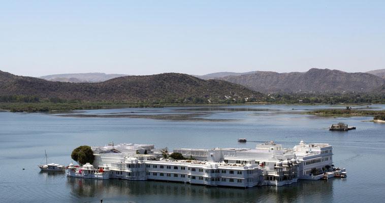 Udaipur-auch genannt das Venedig des Ostens mit seinen schwimmenden Palasthotels.
