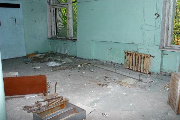 Reste eines Hotelzimmers
