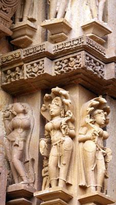 Apsaras sind himmlische Nympfen, bildschöne Tänzerinnen