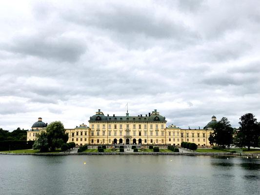 Willkommen am Weltkulturerbe Schloss Drottningholm, eine Schlossanlage von internationalem Rang.