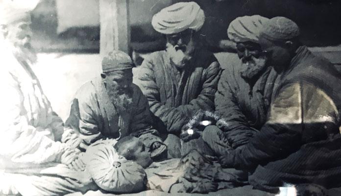 Rituelle Beschneidungszeremonie im Islam wie im heiligen Buch vorgeschrieben (Quelle: Geschichtsmuseum Taschkent)