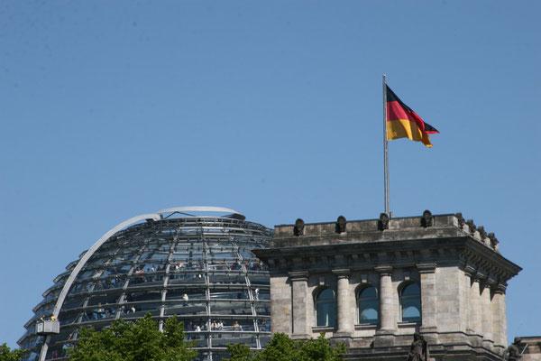 durch Auswirkungen des Zweiten Weltkriegs schwer beschädigt, wurde das Gebäude in den 1960er Jahren in modernisierter Form wiederhergestellt und von 1991 bis 1999 noch einmal grundlegend umgestaltet.