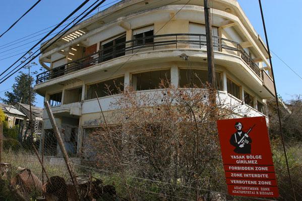 Bis heute haben die Eigentümer weder Ihren Grundbesitz zurückerhalten, noch vom türkischen Staat eine Entschädigungsleistung erhalten.
