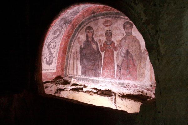Der mit Fresken ausgemalte unterirdische Friedhof der ersten Christen aus dem 2. Jhdt.