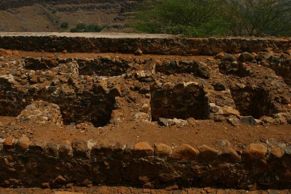 Ruinen von Gefangenenzellen