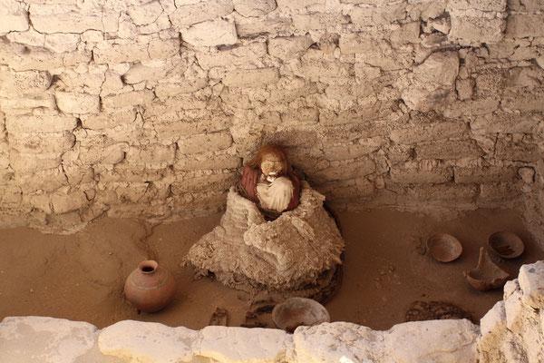 Etwas außerhalb von Nazca liegt der Chauchilla Friedhof.