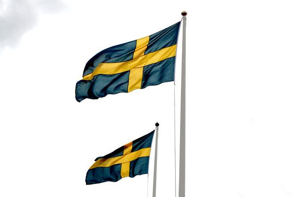Schweden-wer kennt es nicht, das Land von Pippi Langstrumpf und Nils Holgerson.  Ein kontrastreiches Land, das bis Nordfinnland reicht und mit endlosen Wäldern und unberührten Seen den Reisenden mit eben dieser Natur erfreut.
