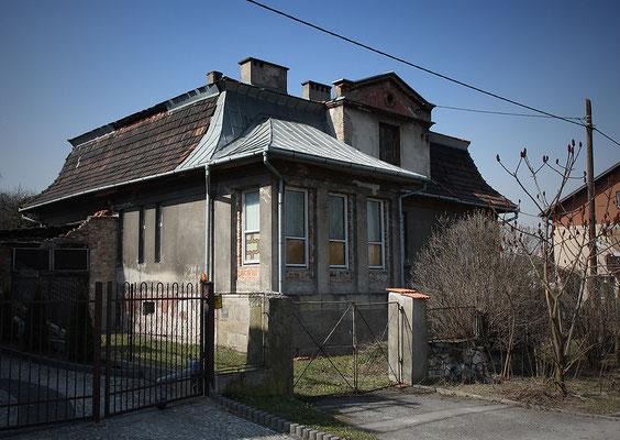 Privathaus Amon Göths, SS-Offizier in den Vernichtungslagern Belzec, Sobibor und Treblinka, bevor er im März 1943 die Liquidierung des Krakauer Ghettos durchführte und etwa zur gleichen Zeit die Kommandantur über das KZ Plaszow übernahm.