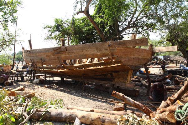 Die Fischerboote werden heute noch nur von Hand gefertigt mit traditionellen Methoden, die sich bis heute erhalten haben.