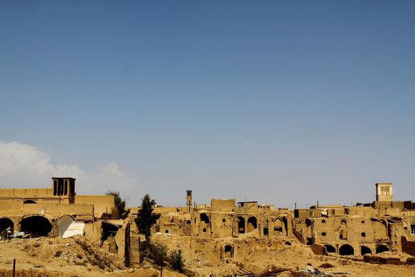 Leider sind viele historische Bauten dem Verfall überlassen aufgrund ungeklärter Eigentumsverhältnisse.