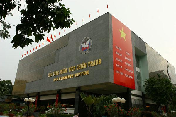 Kriegsreliktemuseum in Saigon: hier wird detailliert auf die Massaker eingegangen, die die Amerikaner im Vietnamkrieg an der Bevölkerung verübt haben - nichts für schwache Nerven