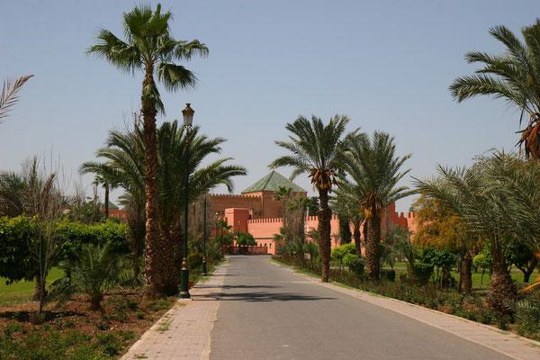 Straße zum offiziellen Königspalast Mohammed VI.