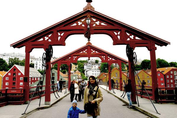 auf der Gamle Bybro, der alten Stadtbrücke von 1861