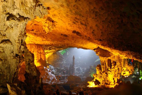 """Die Höhle Hang Trong, die """"Trommelgrotte"""". Der Wind verursacht hier eine ungewöhnliche Geräuschkulisse."""