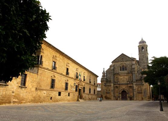 Ùbeda in der Provinz Jaén gehört seit 2003 zum Weltkulturerbe der UNESCO und ist eine der schönsten Renaissance-Städte in Spanien mit prachtvollen Bauten aus der Epoche.
