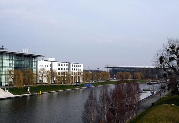 Hauptportal der Autostadt.