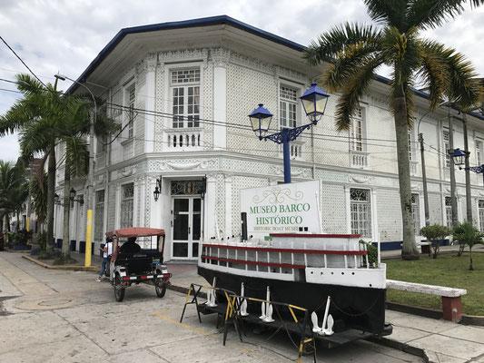 Dann übernahmen die Kautschukbarone und sicherten sich mit Geld und Macht ihren Einfluss. Heute ist das ehemalige Haus eines dieser Plantagenbesitzer ein Schiffsmuseum.