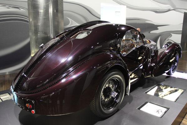 Das kostbarste Auto der Welt, der Bugatti Typ 57 SC Atlantic. Von diesem Typ wurden nur 4 Exemplare gebaut, von denen 2 noch erhalten sind.