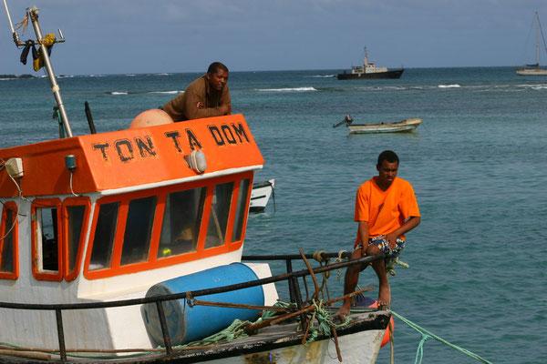 Lebendig geht es bei den Fischern zu