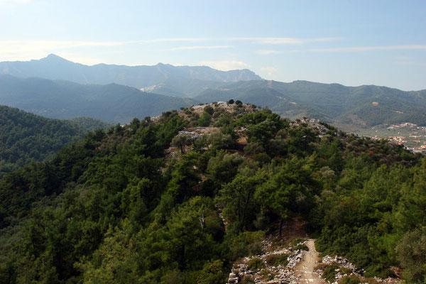 Blick auf den Gipfel mit Heiligtum