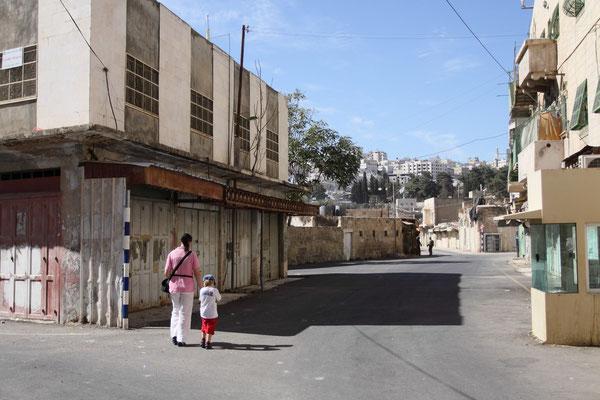 Hebron ist eine geteilte Stadt: in H1 leben 120.000 Palästinenser unter palästinensischer Verwaltung