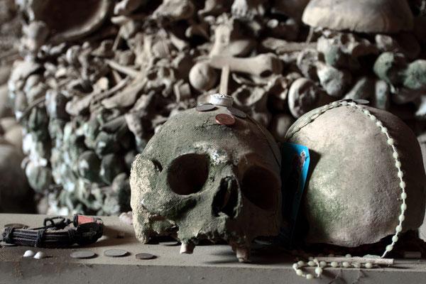 Neapolitaner suchten sich Skelette aus, um für sie als Namenlose zu beten