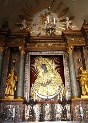 Innen zu besichtigen das Madonnenbild von 1520 mit hoher religiöser Bedeutung