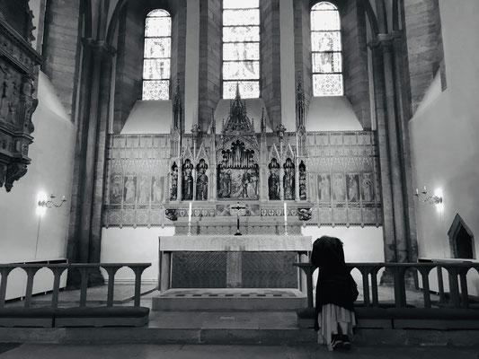 Im Mittelalter gab es hier 16 Kirchen, jedoch wird nur noch die Domkirche genutzt, die anderen sind Ruinen oder völlig zerstört.