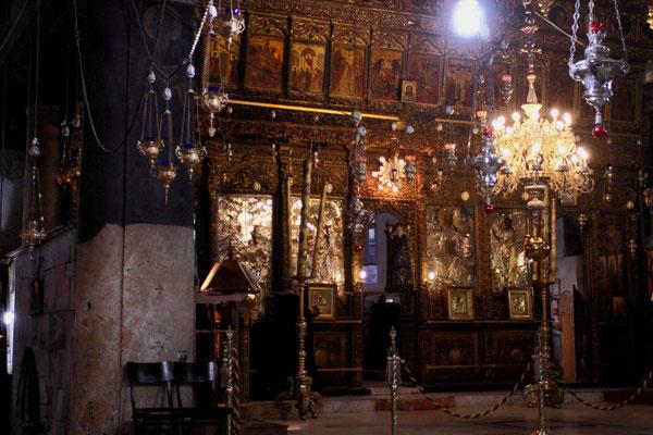 Am Abgang zur Geburtsgrotte der griechisch-orthodoxe Geburtsaltar
