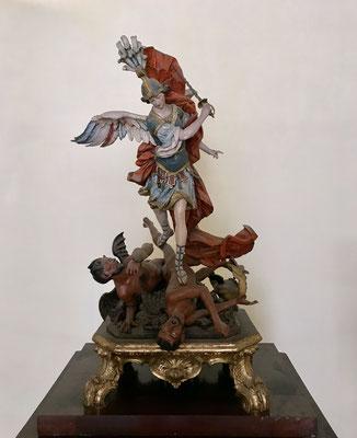 Der heilige Michael im Kampf mit den Dämonen