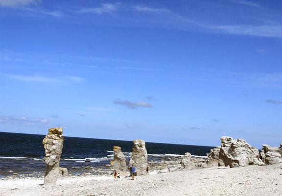 Die Halbinsel Langhammarshammaren, die das Naturreservat mit den Rauken, den Steinstränden, umfasst.