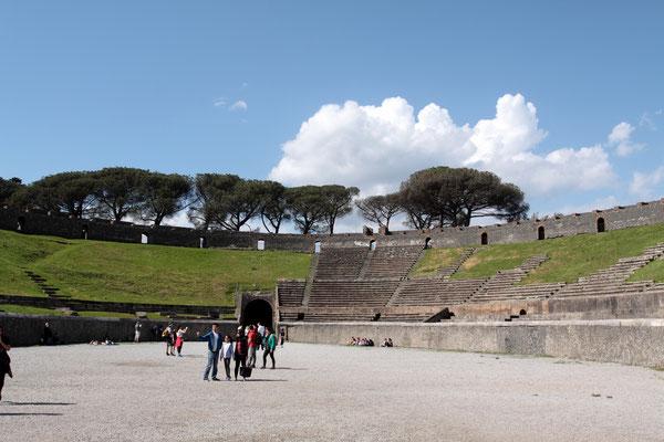 Das Amphitheater von Pompeji gehört zu den ältesten aus der Römerzeit. Erbau um 70 v. Chr. bot es 20.000 Zuschauern Platz