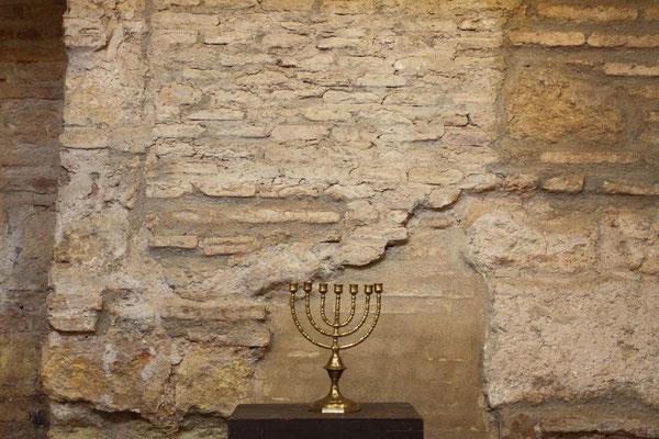 Das Judenviertel ist das bedeutendste historische Viertel der Stadt mit einer Fülle an prächtigen Monumenten wie unter anderem der Synagoge.